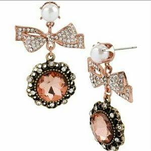 New Betsey Johnson Vintage Bow Crystal Earrings